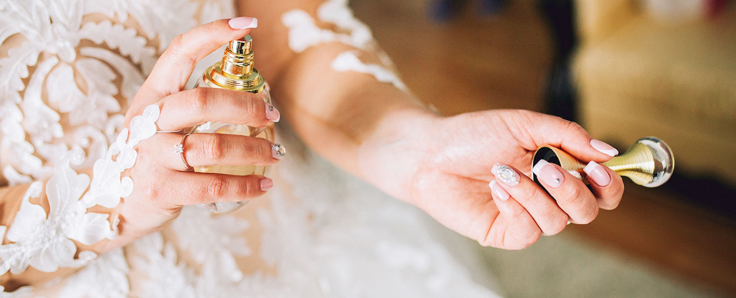 find your perfect wedding scent hero image